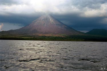 Arenal Active Volcano Tour and Hot Springs​